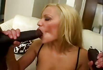 Třicítka miluje čoko penisy