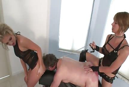 Hrátky se sexy paničkou