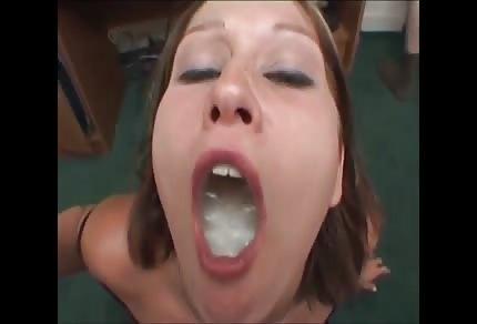 Astrid miluje sperma