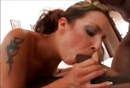 Před sexem jí vždy svědí píča