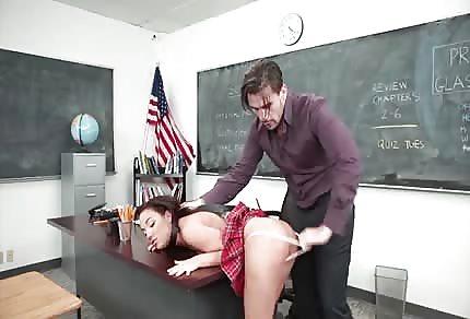 Amara Romani ojetá učitelem