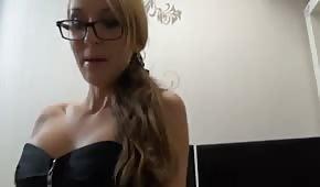 Nemorální sekretářka v sexy spodním prádle
