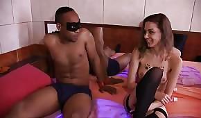 Černoch šuká hezkou prostitutku