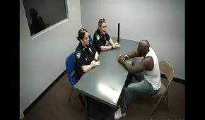 Slyšení se dvěmi policistky
