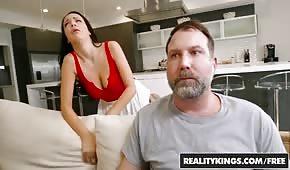 Ten chlap pohne manželkou svého souseda