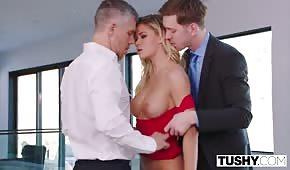 Bohatí muži postupují do porno hvězdy