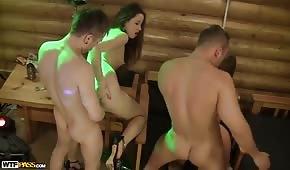 Sex s párty studentů