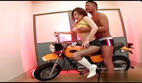 Motocyklový sex s asijskými