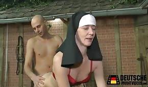 Sex s jeptiškou na seno