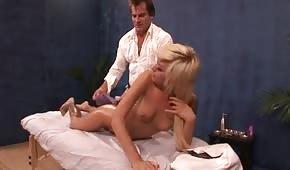 Roztleskávačka dostane masáž jako dárek