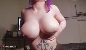 Velká prsa Emo Babes