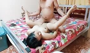 Hraje se v ložnici s Filipinou