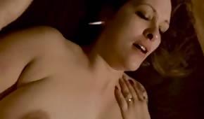 Opojný sex s baculatou brunetkou