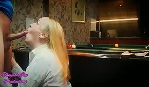Spočítal ruskou ženu na kulečníkovém stole