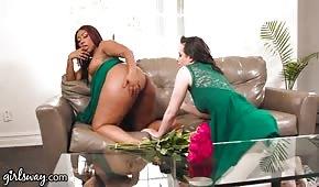 Olízla díry mega sexy černé dívky